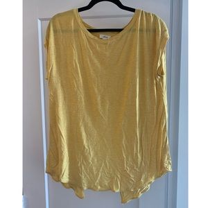 Wilfred open back yellow tshirt